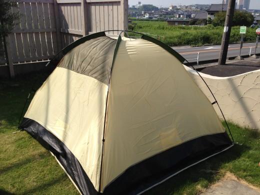 テントをたち上げる