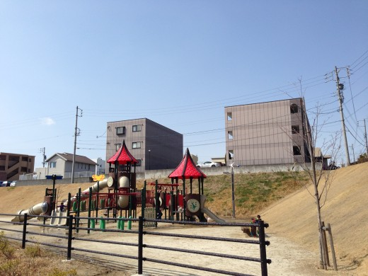 子供の想像力を伸ばしたいなら古き良きオーソドックスな公園がいい